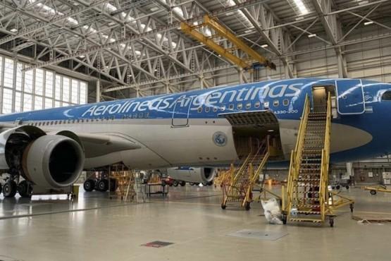 Aerolíneas Argentinas anunció la fusión con Austral