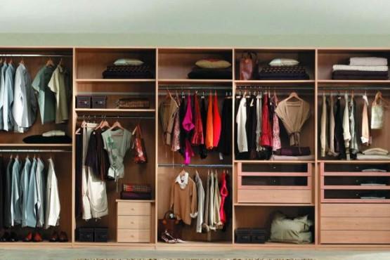 Trucos súper sencillos para eliminar el mal olor en la ropa guardada
