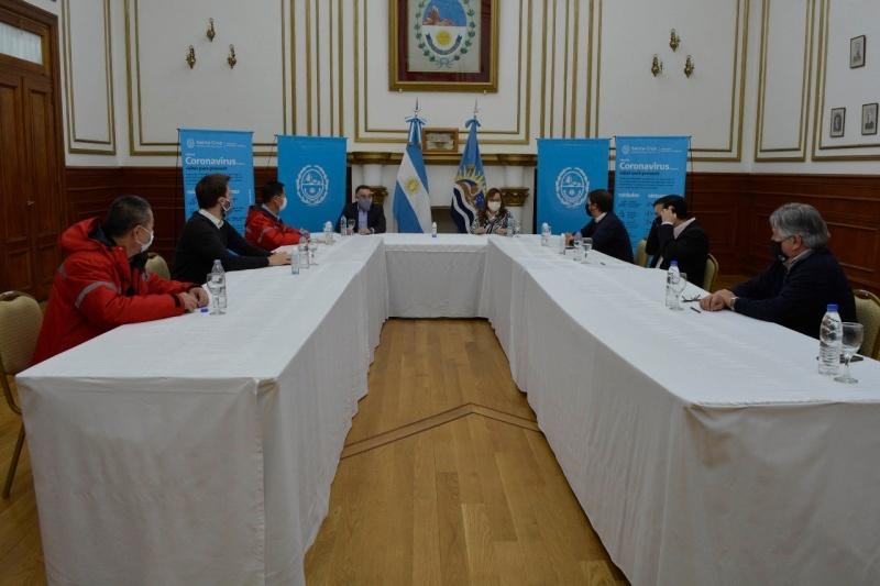 Gobierno Provincial y Nacional reunidos.
