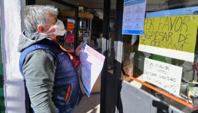 El Municipio, a través de la Coordinación de Control y Prevención Ciudadana y Asuntos Municipales, recorrió comercios del barrio INTA.