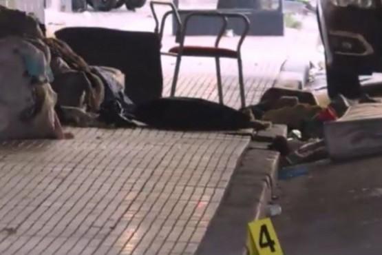 Dormía en la calle y lo asesinaron de una puñalada en el pecho