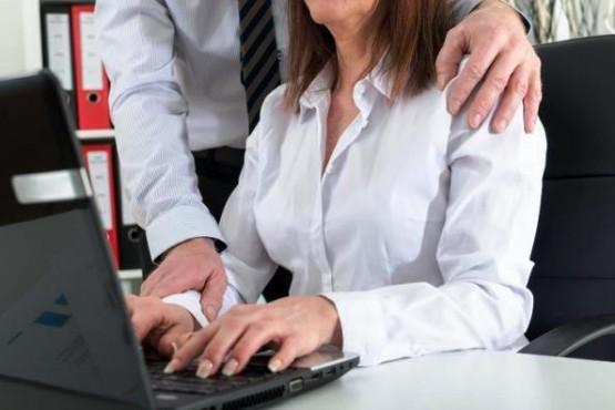 El acoso sexual laboral se denuncia, no te calles.