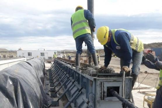Vialidad Provincial supervisa la construcción del puente arroyo