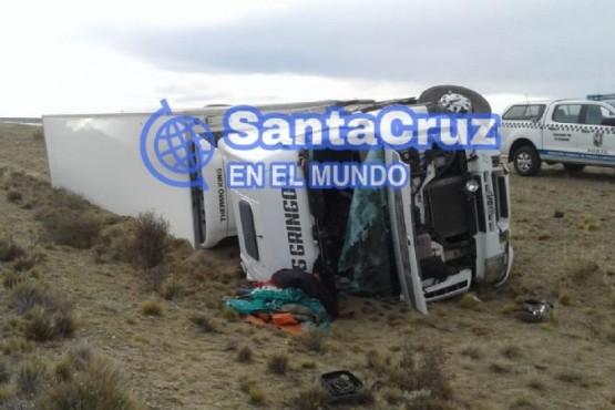 Choque y vuelco de camiones en la Ruta Nacional N 3 (Créditos: Santa Cruz en el mundo)