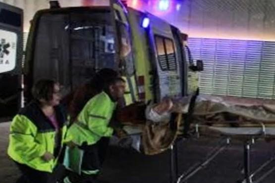 Volcó un camión y su conductor debió ser derivado al Hospital