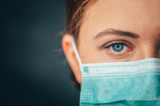 Aseguran que el coronavirus puede ingresar al cuerpo a través de los ojos