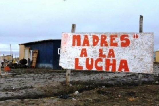 Madres a la Lucha: Impulsan campaña de abrigo ante otro invierno sin urbanización