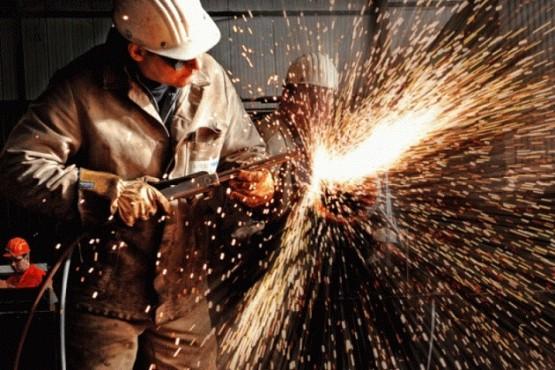 Más de 600 fábricas de todo el país vuelven a producir luego de 50 días