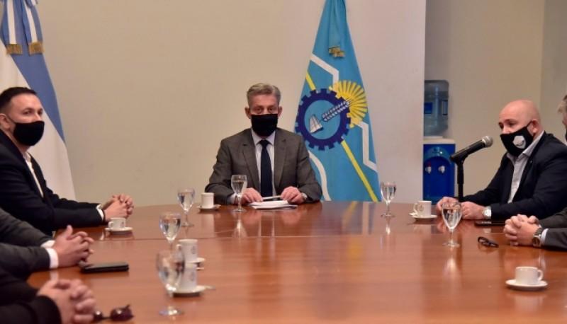 Arcioni firmó convenios de obras con las Municipalidades