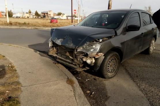 Uno de los autos chocados (N.S)