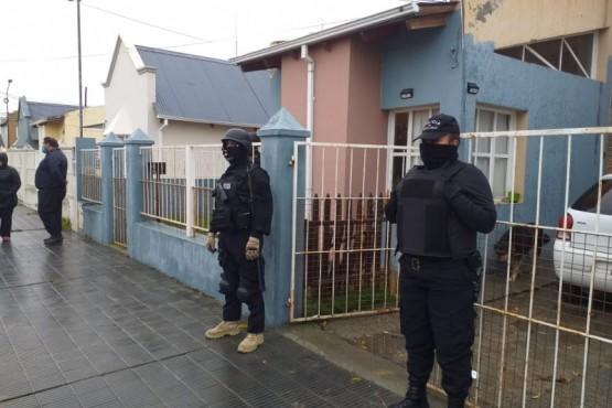 Realizan allanamiento tras amenazas con armas de fuego entre vecinos (M.R)