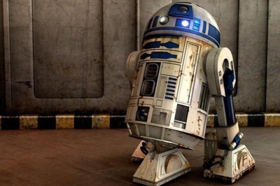 Transformó un tacho de basura en una aspiradora con forma de R2-D2