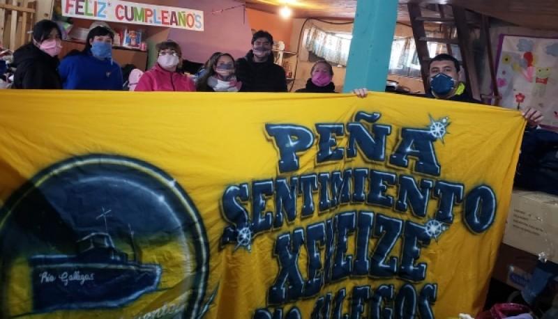 La Peña Sentimiento Xeneize entregó más de 50 bolsones a la Red de Mujeres Solidarias