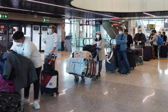 Más de 4.000 argentinos varados en el exterior regresarán al país