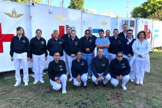 Equipo de profesionales de la salud del Hospital Militar Reubicable.