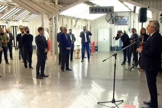 El Presidente visitó la planta de Volkswagen en Tigre