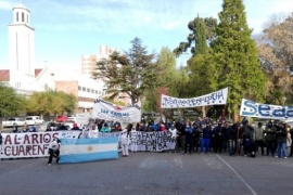 Marcharon textiles junto a trabajadores de la pesca y estatales