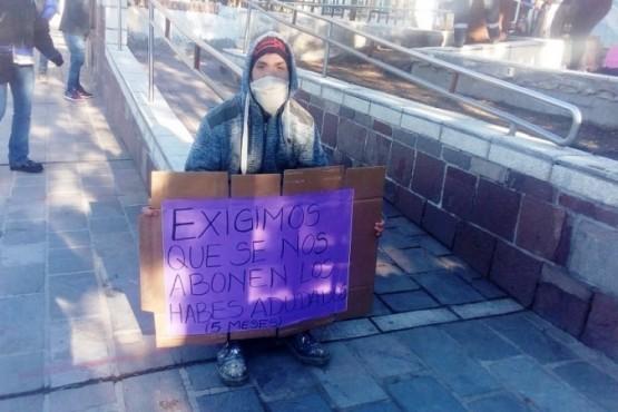 Se encadenaron afuera del Municipio y esperan la resolución de la Justicia