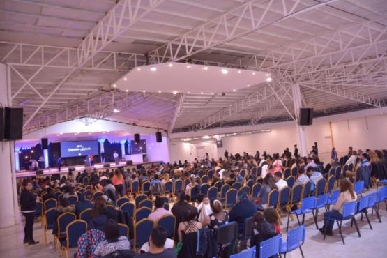 La iglesia Bet El tiene una capacidad para 2500 fieles.