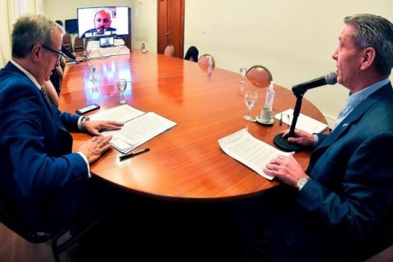 Arcioni se reunió por videoconferencia con Sastre y presidentes de bloques