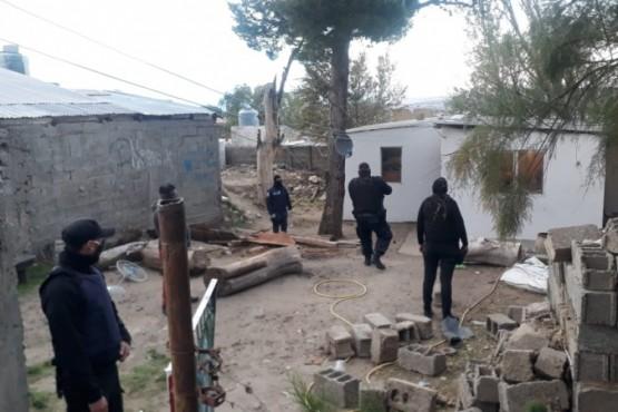 Por enfrentamientos entre los Baeza y Jaramillo allanaron 9 viviendas
