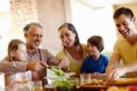 Habilitaron las reuniones familiares con distancia y cubrebocas