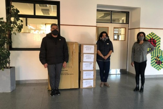 Este fin de semana se entregaron equipos informáticos en la cordillera