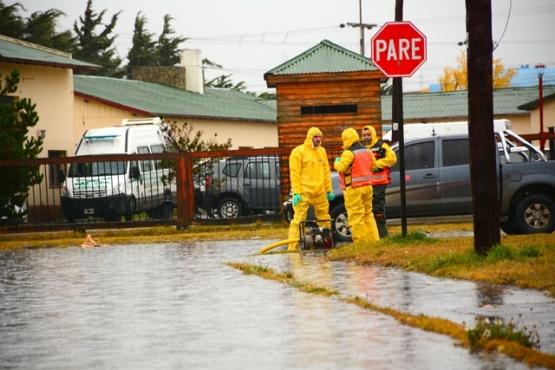 Calles inundadas y muchas familias en estado de alerta