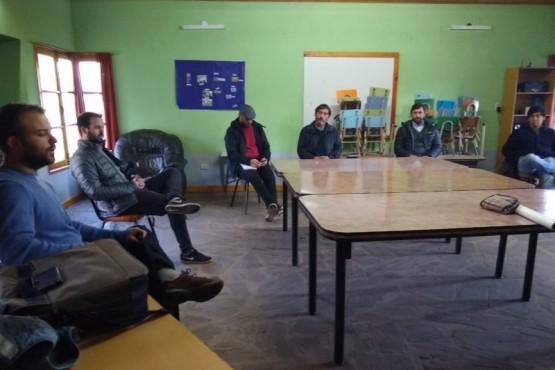 Ingram se reunió con representantes de la comunidad y de organismos técnicos