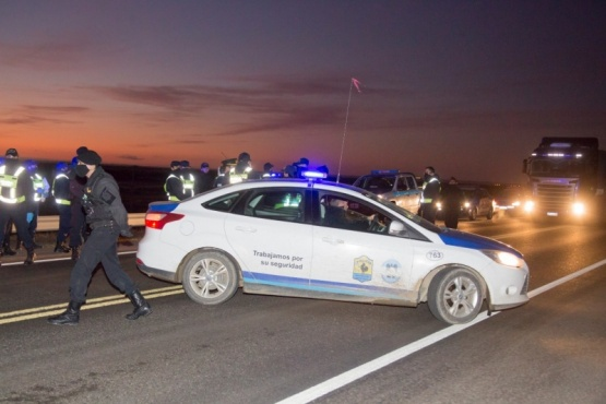 Volvía en el colectivo de repatriados y fue demorado en la aduana por no poseer DNI Argentino