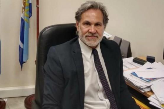 Dr. Carlos Narvarte.