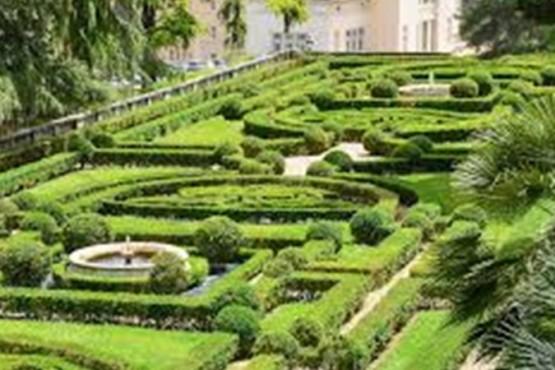 El Papa abre los Jardines Vaticanos para una colonia de verano para hijos de empleados