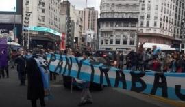Manifestantes se concentraron en el Obelisco para protestar contra la cuarentena