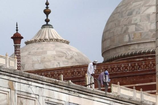 Reparaciones en el techo del Taj Mahal