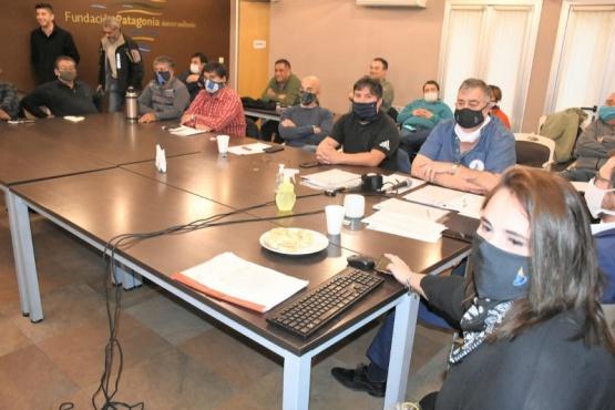Secretarios y delegados de Luz y Fuerza de la Patagonia brindan su apoyo a Héctor Rubén González