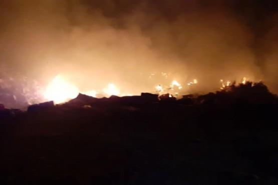 La zona del escombrero ardió en llamas