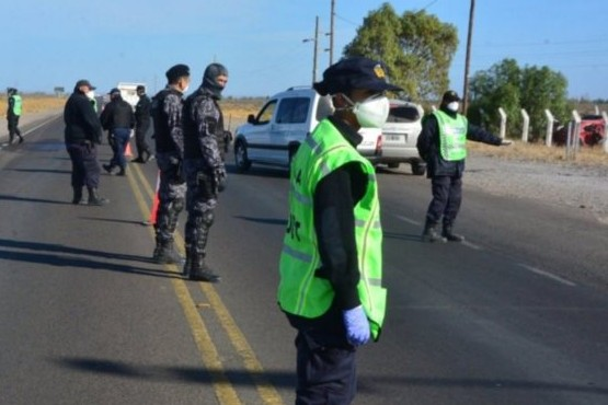 Policía realiza controles de circulación en rutas.
