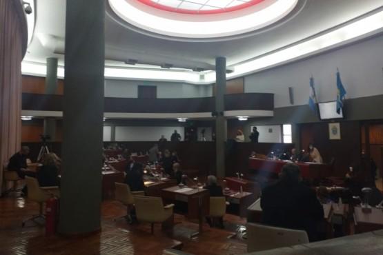 Diputados aprobaron de forma unánime la asistencia por 5 millones
