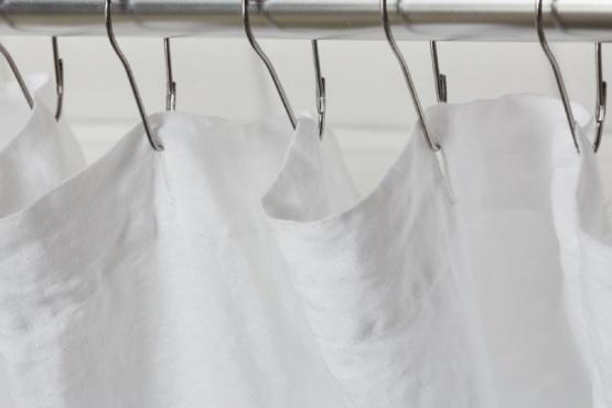 5 métodos infalibles para dejar reluciente la cortina del baño