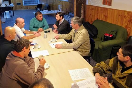 Los Intendentes de Esquel y Trevelín se reunieron con el Comisario Víctor Acosta