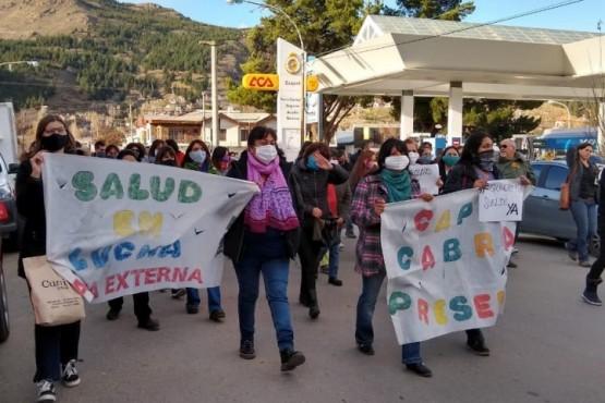 Trabajadores de la salud marcharon y anunciaron paro por tiempo indeterminado
