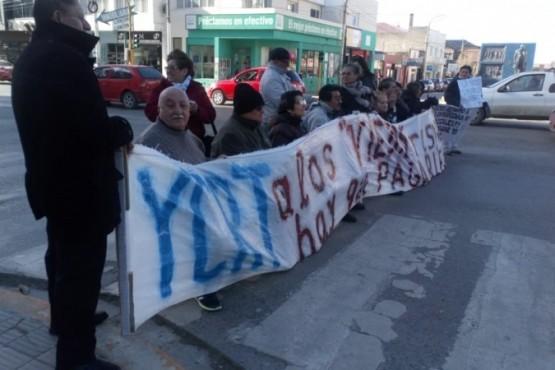 Los jubilados de YCF manifestaron preocupación por las prestaciones. (Archivo).