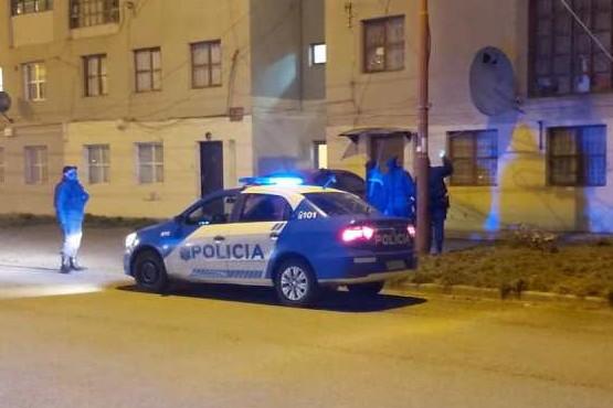 Personal policial de la Tercera (Foto Pasa en Santa Cruz)