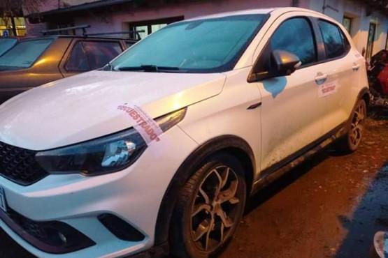 Uno de los vehículos secuestrados.