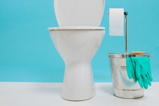 Limpiar el baño con productos naturales