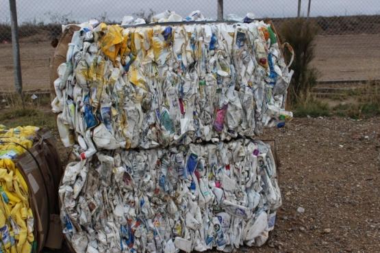 El Ministerio de Ambiente y Parques Nacionales reducirán los plásticos de un solo uso