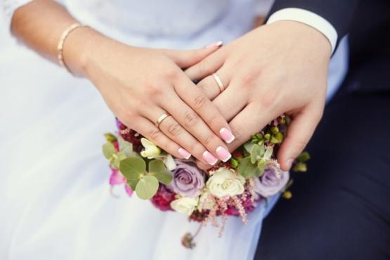 Denunció a su esposa a los dos días de casarse tras descubrir que es un hombre