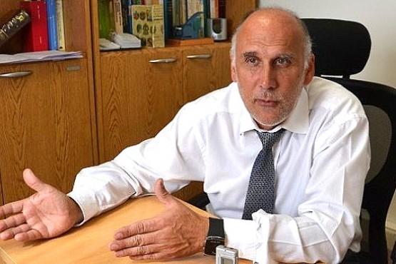 Dr. Gabriel Giordano.