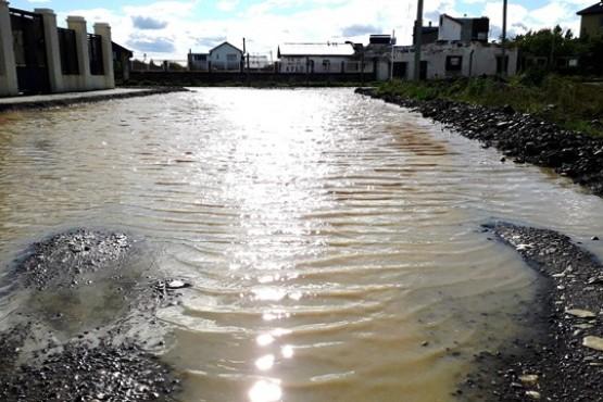 El barrio El Faro sigue en medio del agua.