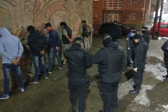Cinco detenidos por amenazas calificadas